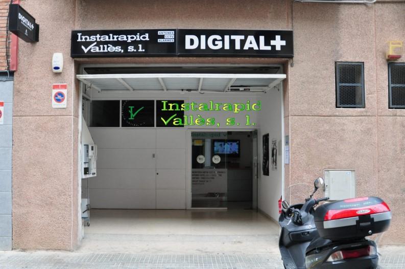 Instalrapid Vallès S.L., vídeo porteros digitales ABB para comunidades vecinos,instalación y reparación, taller propio