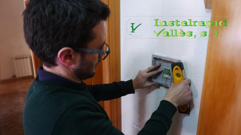 Para comunidades de vecinos en Mollet del Vallès,Barcelona instaladores y reparadores de videoporteros y porteros ABB, Instalrapid Vallès